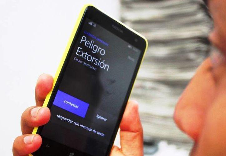 Se calcula que 70 por ciento de las extorsiones inician con un monitoreo de las víctimas en las redes sociales. (Daniel Pacheco/SIPSE)