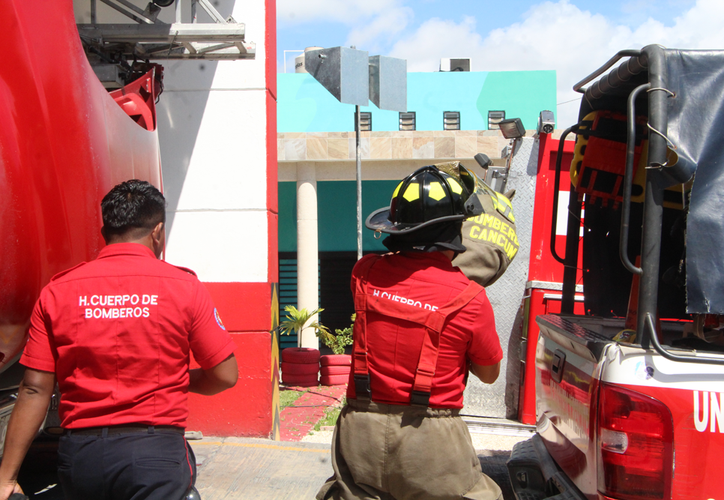 Para que sea posible la participación del personal, es necesario que se integre en el reglamento de bomberos y Protección Civil. (Paola Chiomante/SIPSE)