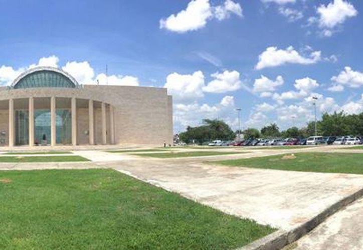 El Tribunal Superior de Justicia de Yucatán está integrado por una presidenta, los  titulares de las unidades de Administración, Contraloría Interna, Asuntos Jurídicos y Sistematización de Precedentes, el Secretario Técnico, y un asesor técnico. (Foto cortesía del Gobierno estatal)