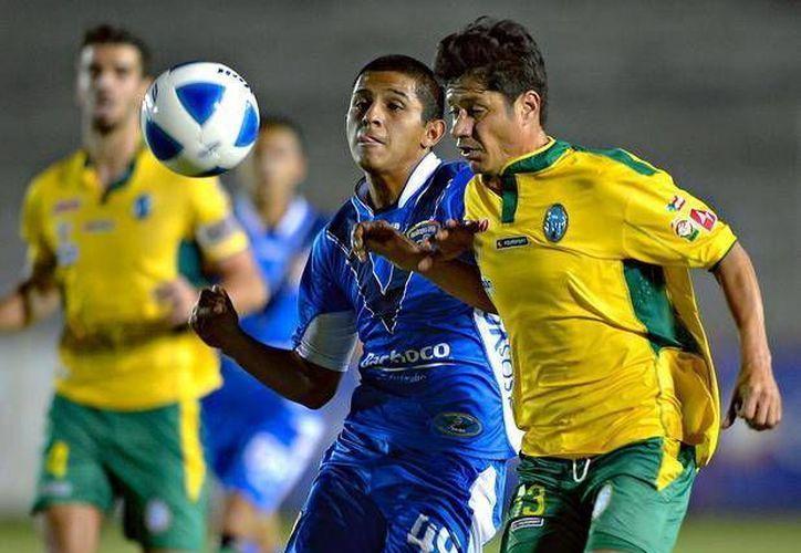 Importante triunfo consiguió CF Mérida el fin de semana pasado en Celaya, al vencer a los Cajeteros 2-1. (Milenio Novedades)