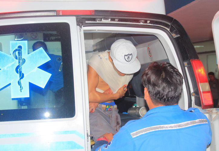 El frustrado ladrón fue llevado a un hospital. (Redacción/SIPSE)
