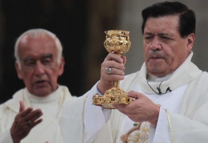 Durante la misa dominical el cardenal Rivera criticó a quienes cometen abortos. (Notimex)