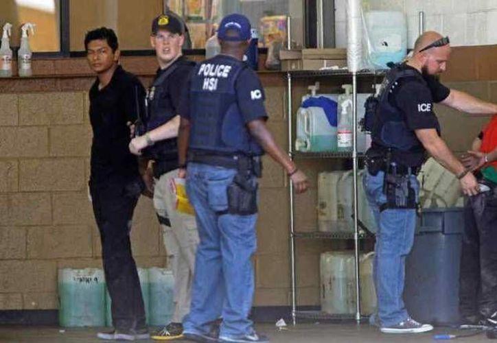 El Departamento de Seguridad Nacional (DHS) confirmó el lunes el inicio de las redadas contra inmigrantes indocumentados. (Foto Archivo/AP)