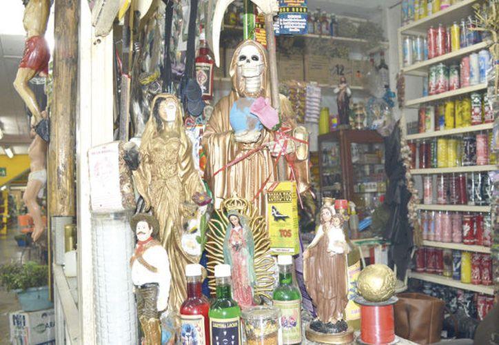 En el lugar fueron encontrados objetos de culto, además de que los cadáveres mostraban señas de tortura. (Expreso)