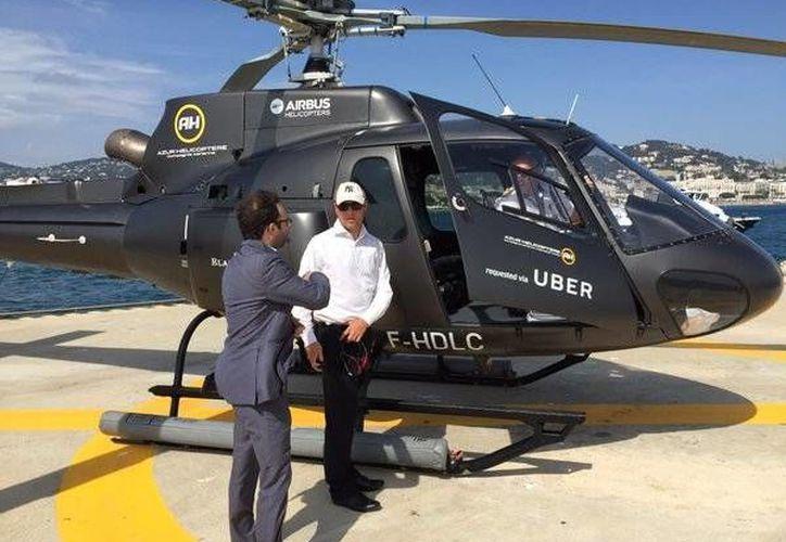 La empresa inició una prueba de un mes del servicio Ubercopter entre aeropuertos, hoteles y centros de convenciones en Brasil. (twitter.com/_GRK)