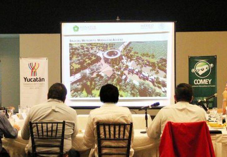 Imagen de la presentación del proyecto para volver a  Chicxulub un lugar de interés para el turismo. (Milenio Novedades)