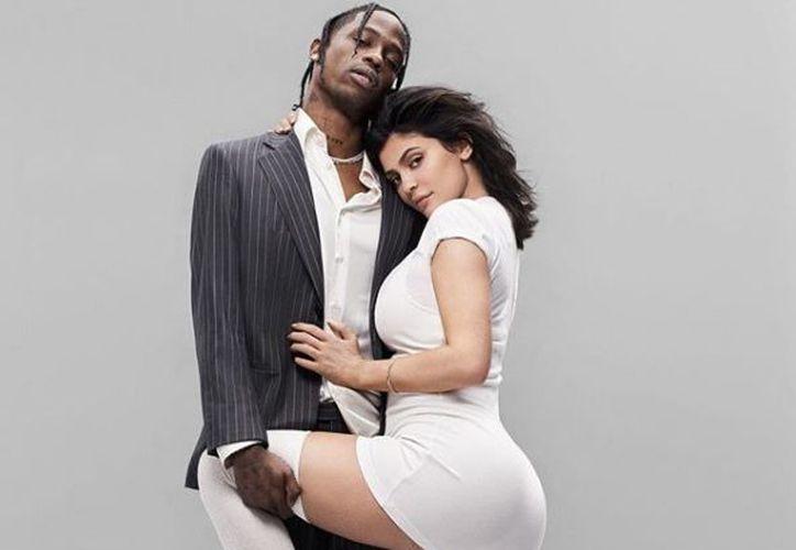 Kylie Jenner ha conseguido mantener su relación sentimental con el rapero Travis Scott en un relativo segundo plano. (Instagram: GQ)