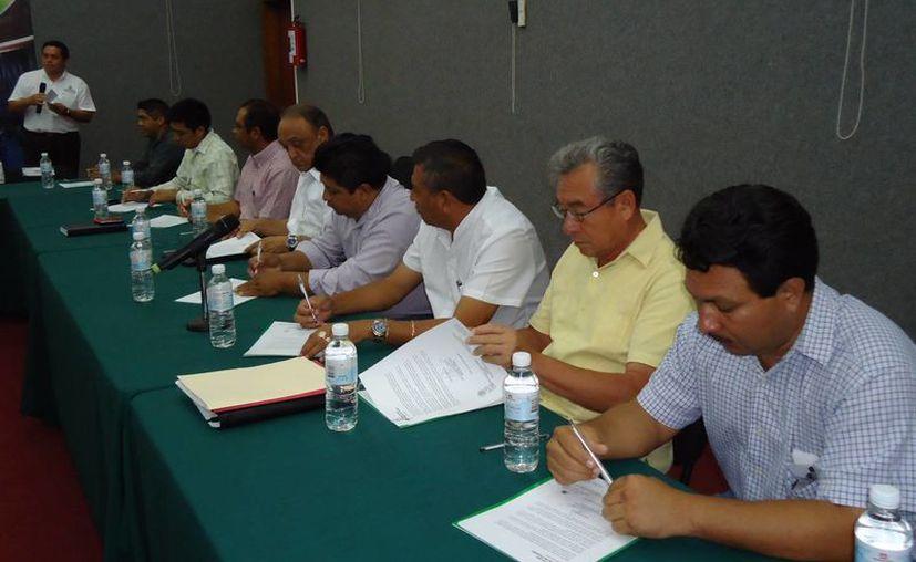 El convenio firmado contempla también la atención a los yucatecos migrantes en EU. (Cortesía)