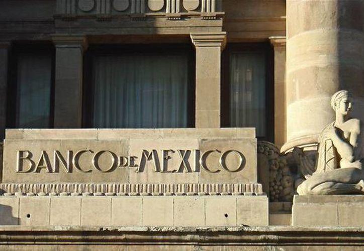El Banco de México elevó su tasa de interés este jueves, en línea con lo esperado por el mercado, en momentos en que el peso ha sido castigado por los mercados por motivos como el repunte en las encuestas de Donald Trump. (Archivo/Agencias)