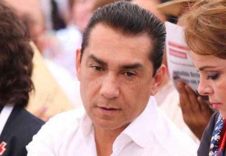 Los Abarca son propietarios de la única plaza comercial que existe en Iguala. (Archivo/SIPSE)
