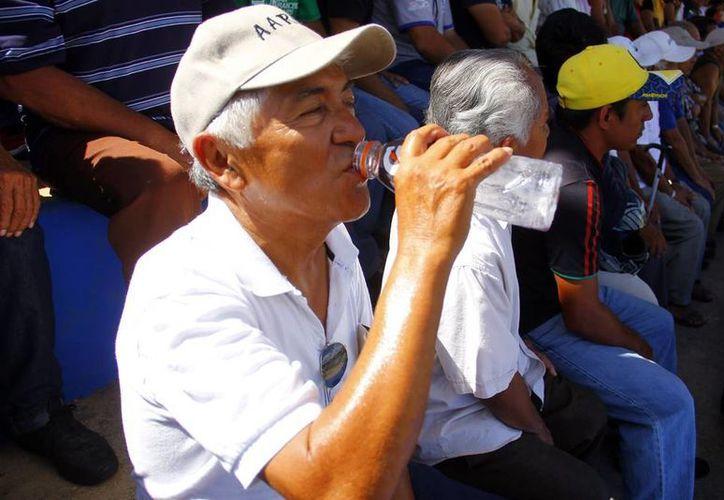 De nueva cuenta, ayer el calor fue intenso en Mérida. (Juan C. Albornoz/SIPSE)