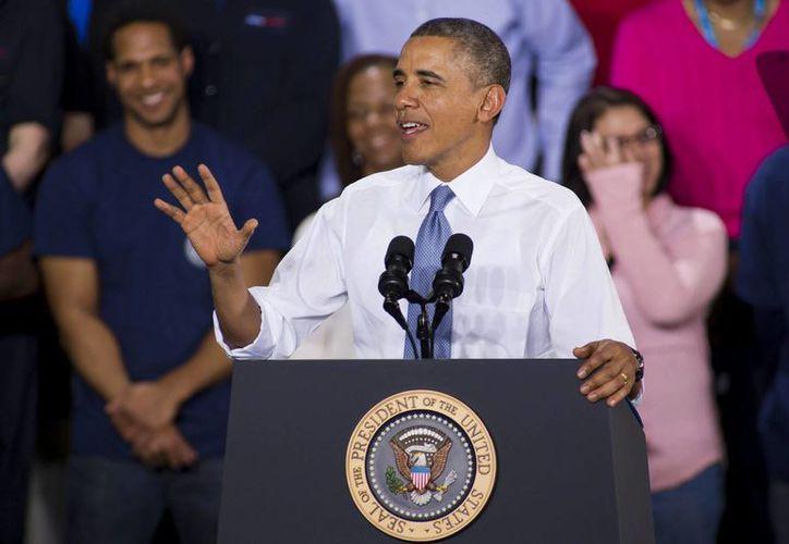 En la imagen, el presidente estadounidense Barack Obama, quien sugirió recientemente que podría aceptar un acuerdo sobre la reforma migratoria que no incluya una vía especial a la ciudadanía para los 11 millones de indocumentados. (EFE/Archivo)
