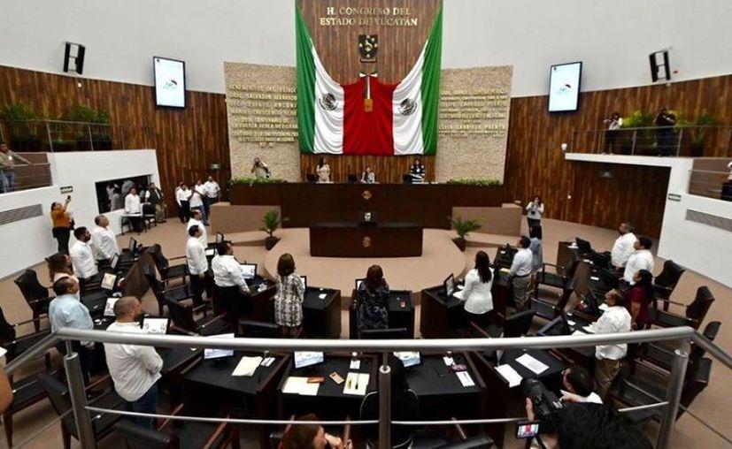 Se suspenden las sesiones plenarias durante los siguientes 15 días. (Foto: redes sociales)