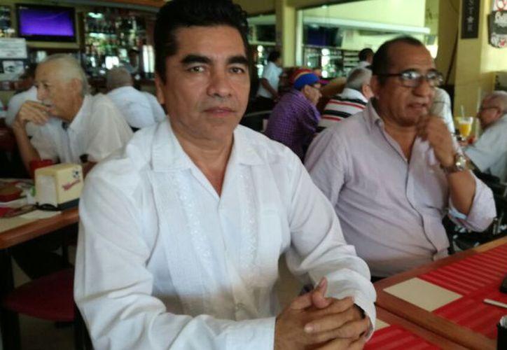 La asociación Ahora Quintana Roo, presentó a Adrián Chicatto Alonzo, para presidente municipal de Benito Juárez. (Joel Zamora/SIPSE)