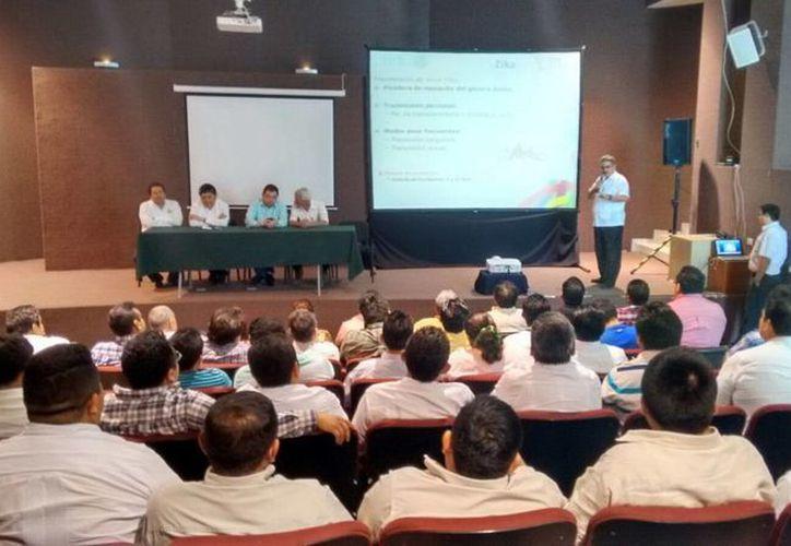 Autoridades de salud y municipales se reunieron para definir las acciones que se llevarán a cabo para enfrentar las enfermedades transmitidas por mosquitos. (SIPSE)
