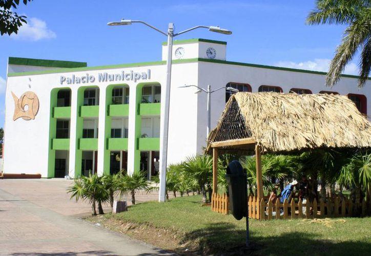 El municipio de Othón P. Blanco es el único que ha remplazado lámparas convencionales por las de Led's. (Harold Alcocer/SIPSE)