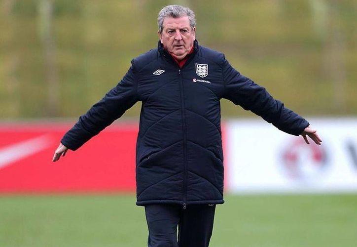 La Selección de Inglaterra no da más. Y Roy Hodgson tampoco, pues acaba de renunciar luego de la eliminación de sus jugadores frente a Islandia en los octavos de final de la Eurocopa. (threelionsroar.com)
