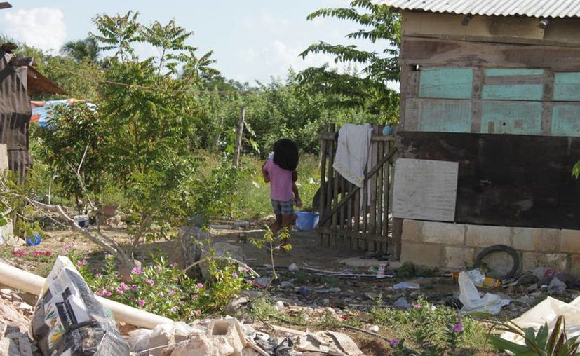 De acuerdo a un inform de la Unicef, por cada 100 habitantes 81 vive bajo alguna condición de pobreza. (Harold Rodríguez/SIPSE)