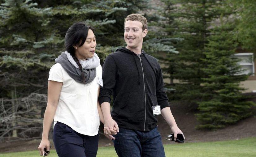 Mark Zuckerberg y Priscilla Chan se casaron en mayo de 2012. (EFE)