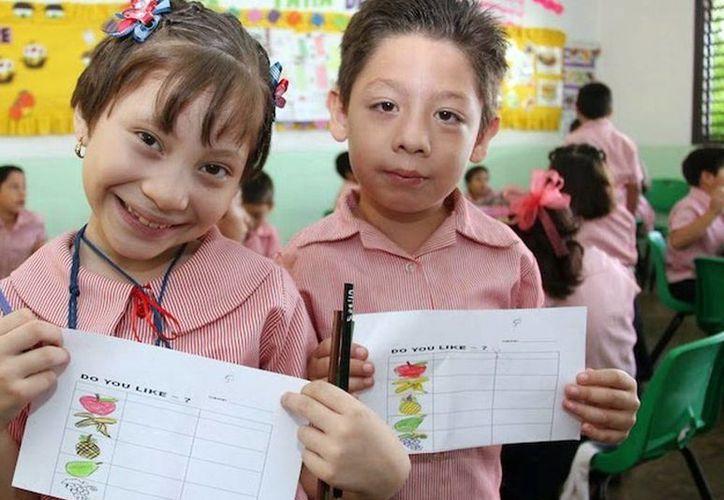 Los papás piensan que no basta con dominar el inglés; ahora se requiere que los niños aprendan un tercer idioma. (SIPSE)