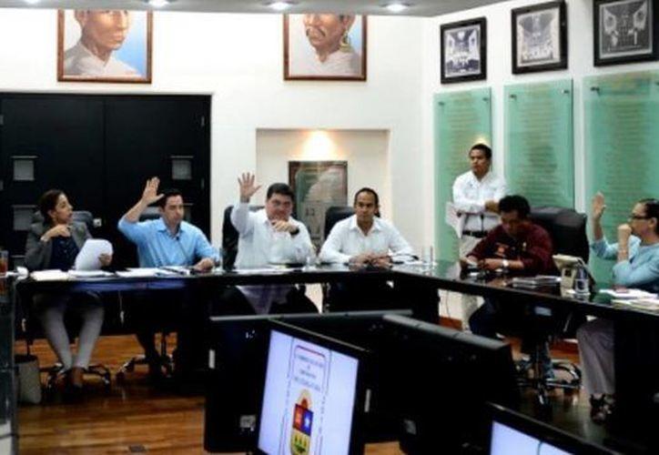 El IIL trabaja de cerca con los diputados integrantes de las comisiones ordinarias de la XIV Legislatura. (Cortesía/SIPSE)