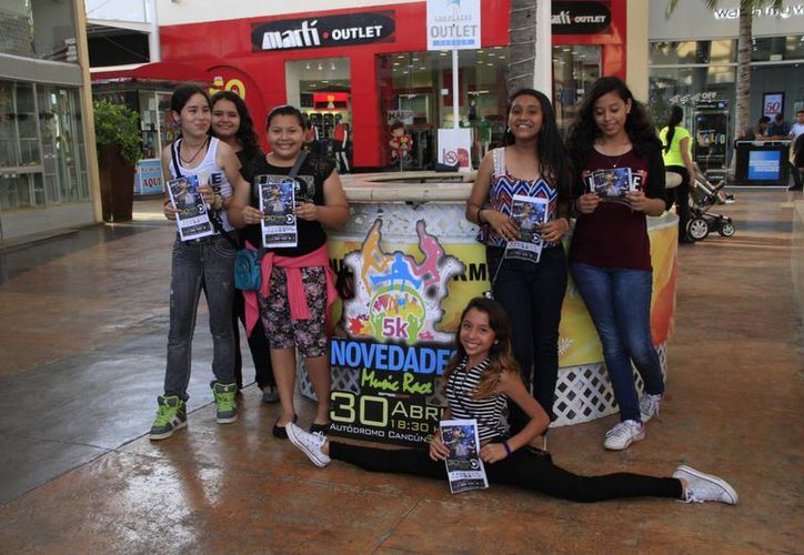 No hay pretexto para no acudir a la fiesta de neón y música que Novedades Quintana Roo prepara para los quintanarroenses. (Tomás Álvarez/SIPSE)
