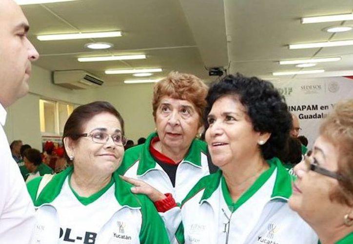La delegación de adultos mayores viajó al certamen nacional del Inapam, que será en Guadalajara, Jalisco, del 26 al 30 de agosto. (SIPSE)