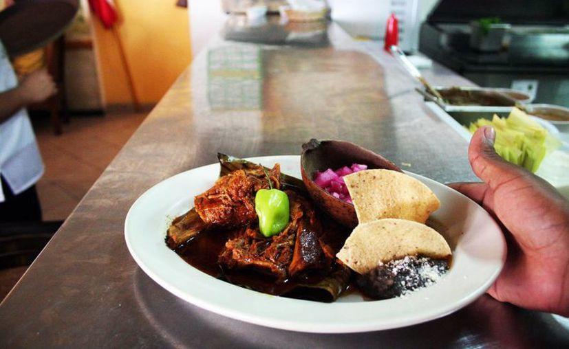 Una de las razones por las que los restauranteros desean que la gastronomía yucateca sea patrimonio estatal es por su amplia variedad. (SIPSE)