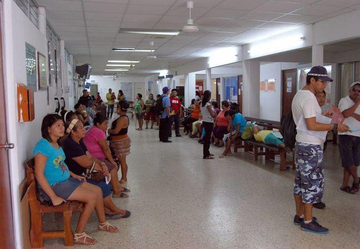 Hospital General de Mérida se niega a recibir pacientes de nosocomios de tercer nivel. (Tomás Álvarez/SIPSE)