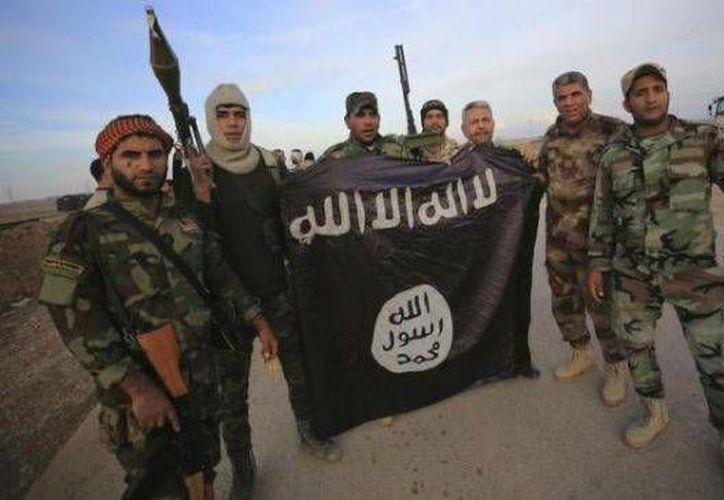 Un documento filtrado del Estado Islámico (EI) revela los planes del grupo extremista para establecer un Estado independiente en las zonas conquistadas de Irak y Siria con un gobierno, relaciones exteriores y programa económico.- (Notimex)