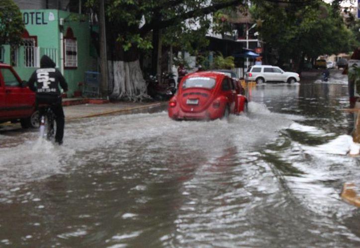 Los pozos de absorción se vieron rebasados por las precipitaciones pluviales. (Adrián Barreto/SIPSE)