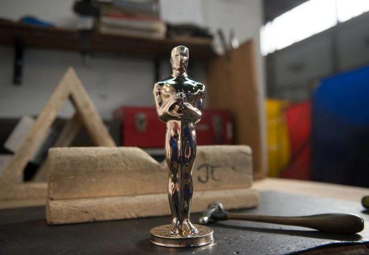 Las estatuillas que se entregarán a los ganadores de los Premios Oscar 2016 están basadas en el modelo original de 1929. (Imágenes de polichtallix.com)