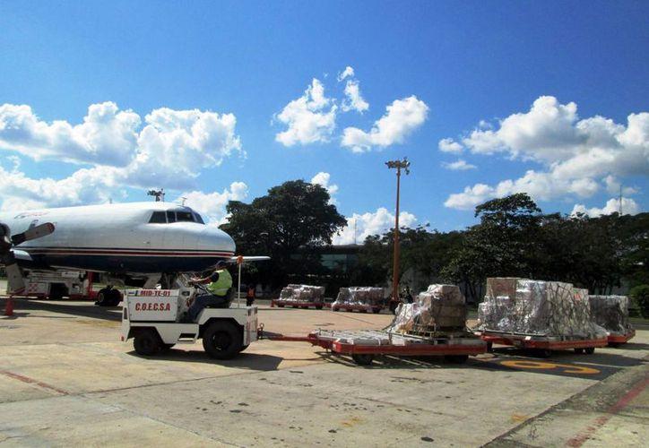 La terminal aeroportuaria de Mérida es punto estratégico para exportación e importación de carga. (Milenio Novedades)