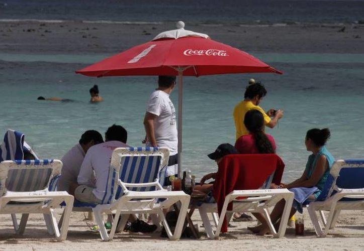 El programa pretende que los prestadores de servicios turísticos cuenten con los conocimientos necesarios para atender con excelencia a los visitantes. (Archivo/SIPSE)