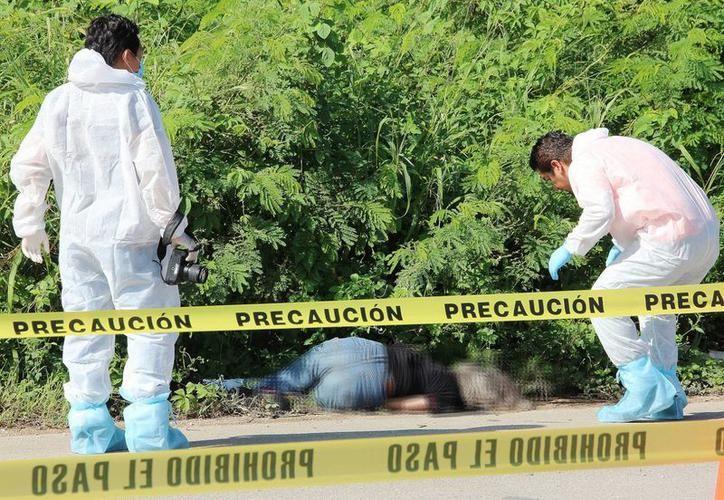 El cadáver fue localizado entre la maleza a la altura de Teya, en la carretera Mérida-Valladolid, el 30 de septiembre de 2016. (SIPSE)