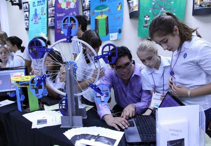 En el concurso Robomatic y Multimedia participan 125 trabajos, lo que confirma el interés del tema en los yucatecos. (José Acosta/SIPSE)