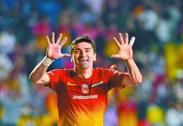 Héctor Mancilla celebra el gol de la victoria. (Agencias)