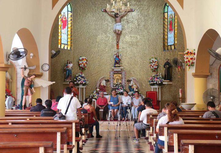 Los creyentes organizan una de las fiestas religiosas más importantes de la isla. (Gustavo Villegas/SIPSE)