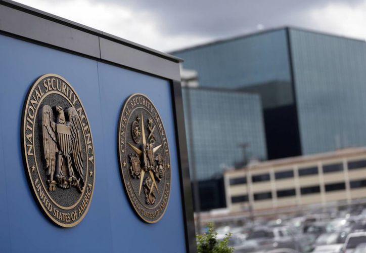 La NSA interceptó mensajes de miles de usuarios que no formaban parte de sus objetivos, indica una investigación. (AP)