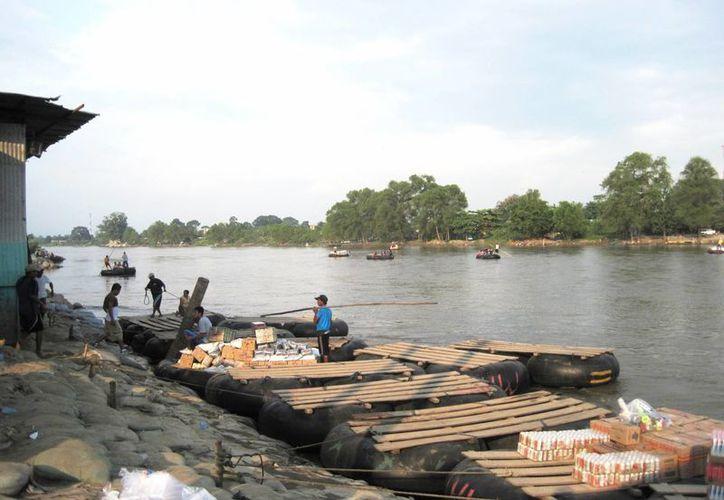 El río Suchiate, frontera natural entre México y Guatemala, es el paso de miles de centroamericanos que buscan llegar a los Estados Unidos. (rgrande.com)