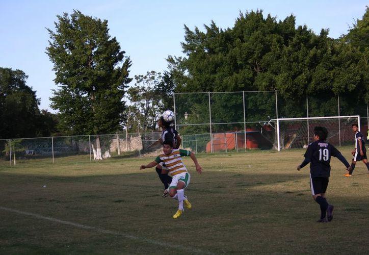Jesús Rejón y Ricardo Cervera hicieron los goles de los Lagartos. (Marco Moreno / SIPSE)