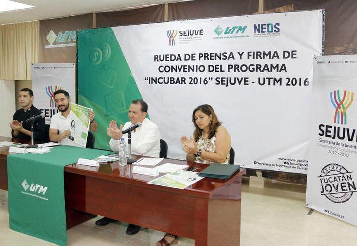 En rueda de prensa, la Sejuve y la UTM dieron a conocer el programa 'Incubar', el cual va dirigido a jóvenes emprendedores. (Cortesía)