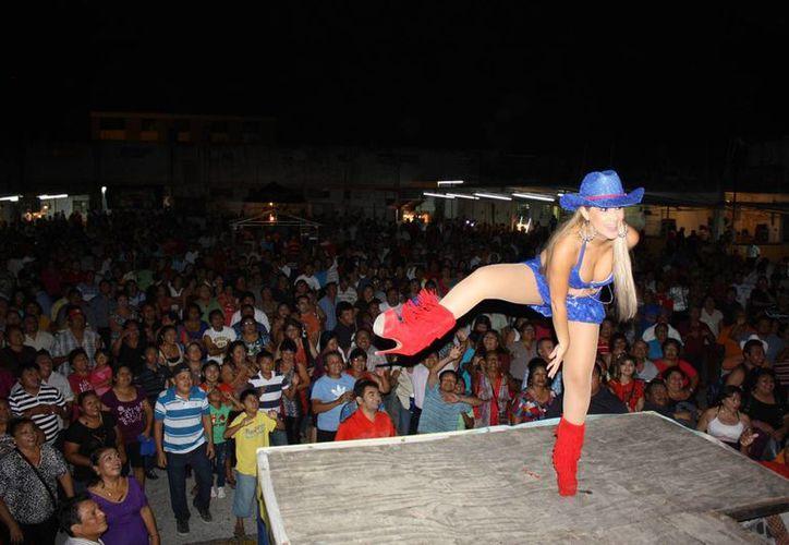 La Tremendísima, Carola puso  a bailar tanto a hombres como a mujeres. (SIPSE)