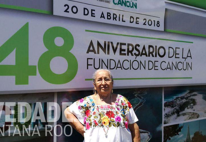 """""""A 15 kilómetros de Cancún fue instalado el primer campamento de trabajadores en 1968, en ese lugar estuvimos hasta que se acabó el agua, y luego nos llevaron rumbo a Puerto Juárez"""". (Ivett Ycos/SIPSE)"""