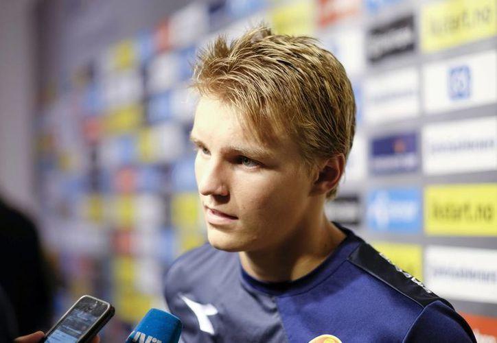 El joven noruego Martin Ødegaard estará ahora bajo las órdenes de Zinedine Zidane en el Real Madrid Castilla. (EFE)