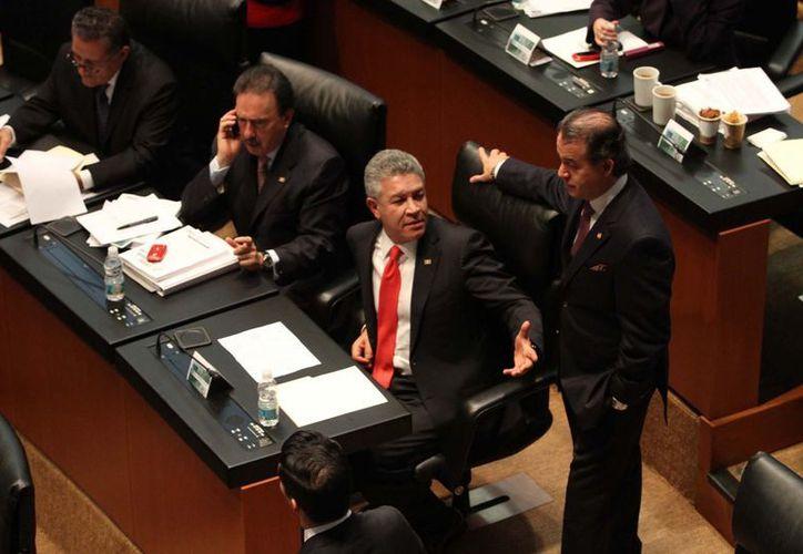 Proponen derogar el decreto del 29 de noviembre que reforma y adiciona disposiciones del reglamento del EMP. (Notimex)
