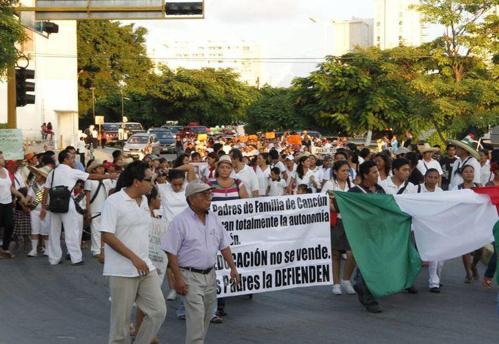 Participaron alumnos y padres de familia en el evento. (Tomás Álvarez/SIPSE)