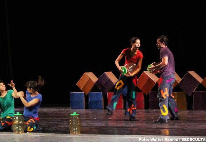 La compañía de danza lleva a los pequeños por un mundo fantástico. (Milenio Novedades)