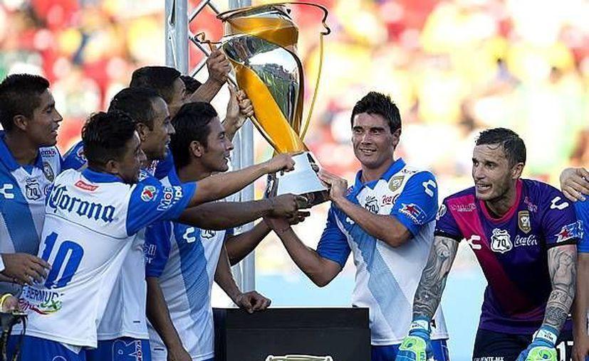 Puebla venció 1-0 a Morelia con un gol de Luis Gabriel Rey para coronarse campeón de la Supercopa MX. (mexsports.com)