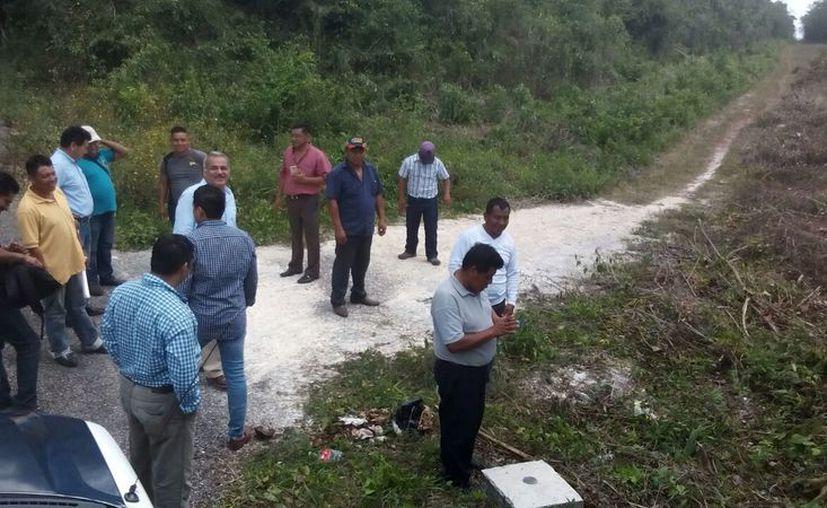 En la visita se caminaron más de 12 kilómetros por toda la brecha, los habitantes confían en que se les devolverá sus tierras. (Carlos Castillo/SIPSE)